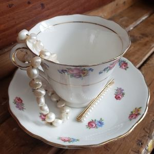 Authentic gold lettering Colclough China